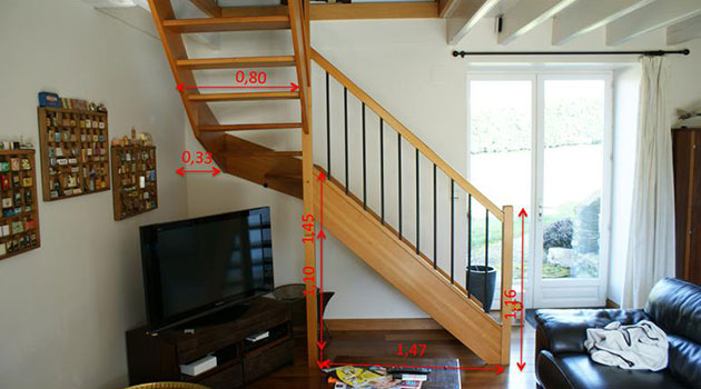 old stair with newel post blocking tv