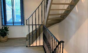 curved stair parts in situ